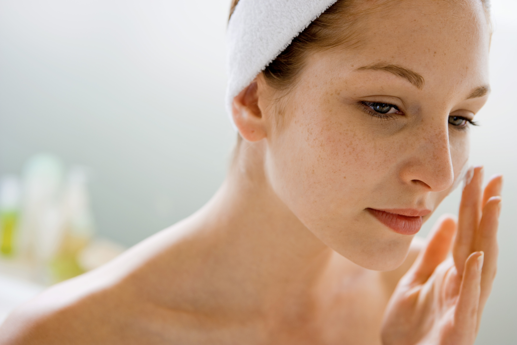 Four Bad Habits That Cause Dull Skin